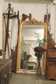 This beautifully ornate gold mirror is such a wonderful accessory, full of soul and character. We can just imagine it propped against a wall in a bijoux Parisian townhouse, full of other old and eclectic odds and ends. Vintage Gold Mirror, Gold Ornate Mirror, Gold Wall Mirror, Wall Of Mirrors, Gold Mirrors, Diy Mirror, Feng Shui, Mirror Inspiration, Gold Bedroom