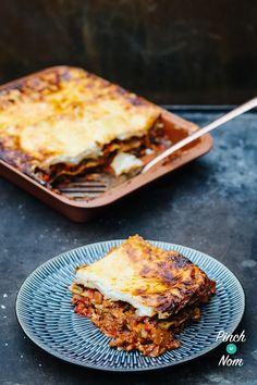 Lasagne | Slimming World & Weight Watchers Friendly - Pinch Of Nom Slimming World Lasagne, Slimming World Dinners, Slimming World Recipes, Southern Mac And Cheese, Slimmimg World, Pinch Of Nom, Yummy Food, Tasty, Pasta Recipes