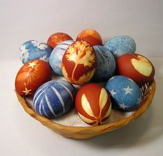 I remember making gorgeous nature-themed Easter eggs like this with my aunt