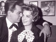 Robert Wagner and Natalie Wood.  Oh, how they loved each other <3