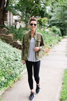 Leggings outfit summer, outfits leggins, leggings shoes, sporty outfits, ca Legging Outfits, Leggings Outfit Summer, Leather Leggings Outfit, Shoes For Leggings, Casual Outfits For Moms, Sporty Outfits, Outfits For Teens, Fall Outfits, Summer Outfits