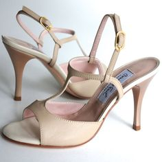 http://www.felinashoes.com  Argentine Tango Shoes from Comme il Faut shoes. Beige, cream leather stilettos. Sizes 4 (34), Size 5 (35), Size 6 (36), Size 7 (37), Size 8 (38), Size 9 (39), Size 10 (40), Size 11 (41)