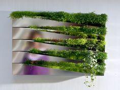 Pot pour mur végétal MIROIR EN HERBE by Jean-Jacques Hubert COMPAGNIE