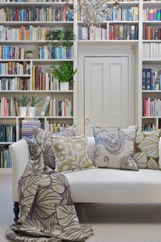Would love to do this in my sitting room/office nook. I love the use of space over the door.