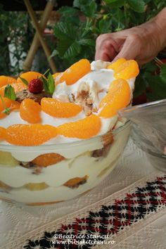 Trifle cu mandarine si ananas (light) |
