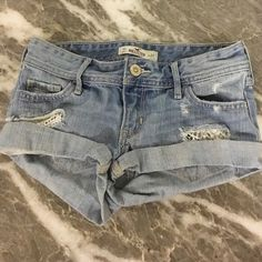 Hollister low rise shorts Cute design in the front Hollister Shorts Jean Shorts