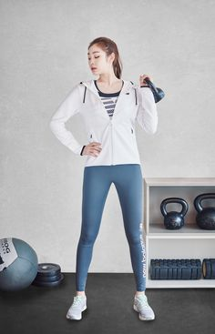 #Yuna Kim #김연아 Japanese Fashion, Korean Fashion, Kim Yuna, Sporty Girls, Girls In Leggings, Cute Asian Girls, Beautiful Asian Women, Girls Generation, Leggings Fashion