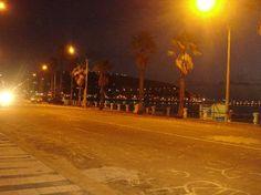 rambla de piriapolis a la noche