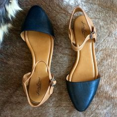 Lucky Brand Abbee pointed toe flat Gorgeous all leather pointed toe flats, sold out! Never worn, just didn't like how they looked on me. NWOT Lucky Brand Shoes Flats & Loafers