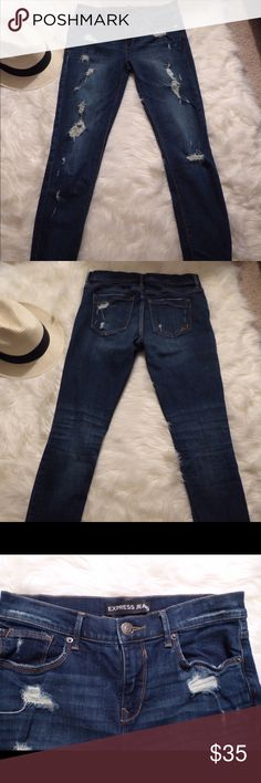 """Skinny distrusted jeans Super skinny stretch distressed jeans. 30"""" inseam. 9 1/2"""" front rise. 13 1/2"""" back rise. Express Jeans Skinny"""