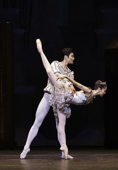 Beatriz Stix-Brunell and Ryoichi Hirano in The Prince of the Pagodas © Johan Persson/ROH 2012    #ballet #dance #RoyalBallet