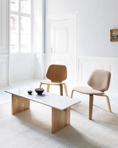 Solid table consists of a base of Nordic ash and a marble tabletop, and is simple and intuitive to assemble without the use of screws or glue. Its simple and Nordic expression makes Solid look elegant with most sofas. Designed by Lars Beller Fjetland #normanncopenhagen Marble Coffe Table, Coffee Table Design, Marble Tables, Nordic Design, Scandinavian Interior, Apartment Design, Minimalist Design, Floor Chair, Simple Designs