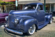 Studebaker Truck - I like the slick look of the 55 Studebaker truck but this older one has that running board look that makes it look more low... see now thats just way cool.