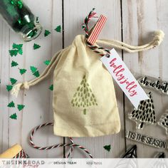 I have a quick tutorial on how to make custom muslin bags that are perfect for all your holiday gifts! Muslin Bags, Tis The Season, Drawstring Backpack, Holiday Gifts, Wraps, Gift Wrapping, Ink, Packaging, Australia