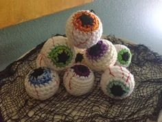 Crochet Pattern Flowers I have been making eyeballs for Halloween for years now and people always ask me how to make them. I've never taken the time to write a. Crochet Pumpkin, Crochet Fall, Holiday Crochet, Cute Crochet, Simple Crochet, Crochet Shirt, Crochet Cat Toys, Crochet Eyes, Crochet Crafts