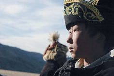 Live with eagle hunters on the Mongolian Plains. See how a 12-year-old Mongolian boy tests his courage and his father's love when he and his father's eagle travel to the city. http://www.kidflixglobal.com/