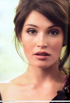 Gemma Arterton- just watch Hanzel & Gretel, Prince of Persia, or Clash of the Titans. She is girl-next-door beautiful with a husky voice and kicks butt. Gemma Arterton, Gemma Christina Arterton, Hannah Arterton, Bridal Makeup, Wedding Makeup, Wedding Hair, Bridal Hair, Pretty People, Beautiful People