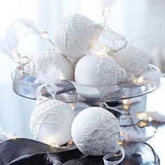 10 świątecznych pomysłów na przyciągające wzrok bombki choinkowe [GALERIA INSPIRACJI]
