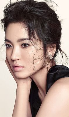 Song Hye Kyo is one of the most beautiful South Korean women and a very talented actress. Song Hye Kyo, Korean Beauty, Asian Beauty, Beautiful Asian Women, Beautiful People, Asian Woman, Asian Girl, South Korean Women, Portrait