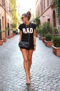 expressive graphic tees +++For tips and advice on #trends and #fashion, Visit http://www.makeupbymisscee.com/