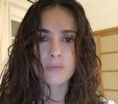 """"""" De Todo Un Poco """": El truco de Salma Hayek para una foto perfecta sin maquillaje"""
