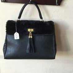Aldo purse Excellent used condition. No signs of wear. ALDO Bags