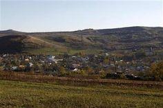 Romanian farmers choose subsistence over shale gas