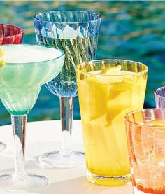 Our Swirl Drinkware boasts a crystal-clear appearance, break-resistant construction, and fresh design, making it perfect for pool parties and outdoor entertaining.