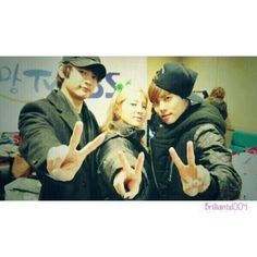 Hyoyeon UNSEEN PICTURE with SHINee's Minho and Jonghyun by brilliantx1004 (cr; HyoyeonADDICT) pic.twitter.com/mlkg1qwHV4
