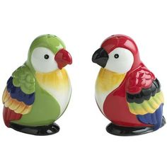 Cute and colorful Bird Salt & Pepper Shakers Salt N Peppa, Salt And Pepper Set, Novelty Items, Salt Pepper Shakers, Pottery, Stuffed Peppers, Parrots, Dining, Latin Decor