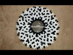 DIY:  Flower Spoon Mirror Tutorial - Chrysanthemum Mirror Plastic Spoon Mirror, Plastic Spoon Crafts, Plastic Silverware, Plastic Spoons, Cute Crafts, Diy Crafts, Diy Room Decor, Wall Decor, Wall Art