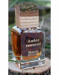 Sharini Parfums Naturels Ambre Essentiel: Es ist wieder einmal Zeit für ein neues Dufterlebnis! Und wieder zeigt sich, dass die Welt der Naturkosmetik-Düfte...