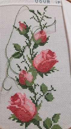 Discover thousands of images about Uldy suarez medinaYapacağım kanavice AysemMulto lindi bordados a mei Parabens Turk, Discover thousands of images about Roses cross stitch.This Pin was discovered by Ays 123 Cross Stitch, Cross Stitch Borders, Cross Stitch Flowers, Cross Stitch Designs, Cross Stitching, Cross Stitch Patterns, Hand Embroidery Stitches, Cross Stitch Embroidery, Embroidery Patterns