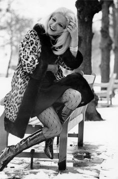 missbettierage:  the60sbazaar:  Virna Lisi  Possibly the most perfect outfit.