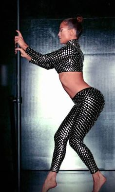 I love Jennifer Lopez - she is a great dancer!