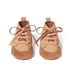 Birds of Nature Soft Soled leather baby shoes. With their fashionable character our booties are super cool and healthy for your little ones feet. Twin Babies, Cute Babies, Twins, Hippie Style, Hippie Boho, Kids Fashion, Babies Fashion, Leather Baby Shoes, Toddler Shoes