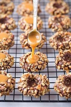 salted caramel turtle thumbprint cookies / cooking classy OMG these sound yummy Best Christmas Cookies, Christmas Desserts, Christmas Cupcakes, Christmas Biscuits, Christmas Cookie Exchange, Xmas Cookies, Valentine Cookies, Easter Cookies, Birthday Cookies