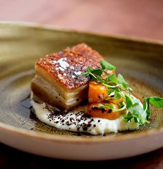 IDEA PIATTO-The crispy pork belly with Anson Mills grits at chef Michael Scelfo's Alden & Harlow Gourmet Recipes, Cooking Recipes, Gourmet Foods, Gourmet Desserts, Pork Belly Recipes, Crispy Pork, Pork Dishes, Molecular Gastronomy, Food Design