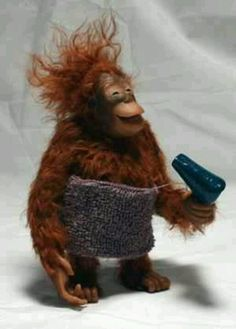 Wait a minute dear ,I just dry my hair and put some make-up !