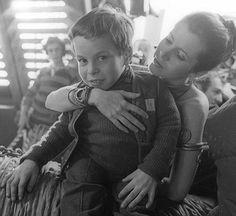 Carrie Fisher y Warick Davis (Ewok Wicket) en el set de El Retorno del Jedi!