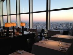 Had cocktails and dinner here at the New York Bar & Grill, Park Hyatt, Tokyo. There was a jazz band playing. It was just how I imaged after watching one of my favourite films, Lost in Translation.
