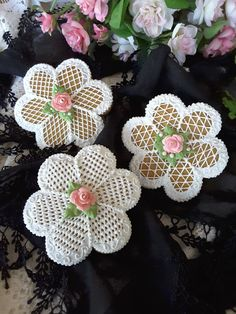 Crosshatching flowers by Teri Pringle Wood