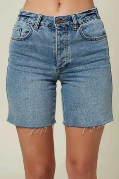 Swim Shorts Women, Shorts Outfits Women, Trendy Summer Outfits, Short Outfits, Long Jean Shorts, Denim Shorts, Bermuda Shorts Outfit, Women's Plus Size Shorts, Summer Denim