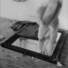 francesca woodman. Providence, 1975 - 1976. Blanca abandono su sueño de ser bailarina y todo por el amor de francisco.