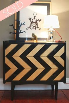 DIY with ikea dresser decor Living Room Funky Furniture, Refurbished Furniture, Ikea Furniture, Repurposed Furniture, Furniture Makeover, Painted Furniture, Furniture Outlet, Furniture Stores, Ikea Inspiration