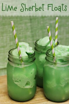 Patrick's Day Lime Sherbet Floats from Home Cooking Memories - Green recipes for St Patrick's Day are a must! These quick & easy Lime Sherbet Floats for St. Patrick's Day are a kid-favorite treat that only needs 2 ingredients & 2 minutes! St Patricks Day Drinks, St Patricks Day Food, St Patricks Day Deserts, Fun Drinks, Yummy Drinks, Beverages, Dessert Drinks, Party Drinks, Holiday Treats