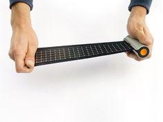 Rollable Solar Chargerから引き出されたソーラーパネル