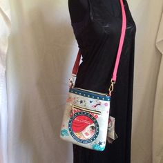 Nicole Lee Handbags - Fabulous bagHeck yes! A cross body strap bag