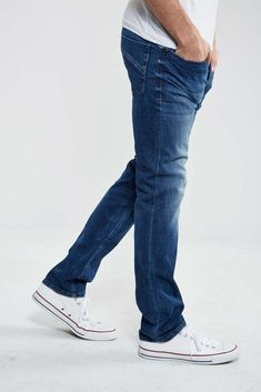 728833bc jeans diesel iakop tapered bleu homme tapered jeans homme