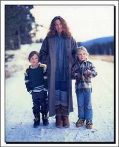 Carole King, Levi & Molly Larkey, Burgdorf, Idaho, Photo by Annie Leibovitz. Female Singers, Rock N Roll Music, Rock And Roll, Old Photography, Photography Projects, Street Photography, Landscape Photography, Portrait Photography, Robert Capa